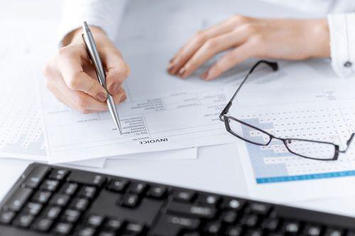 Błędna stawka VAT na fakturze – analiza podatkowa
